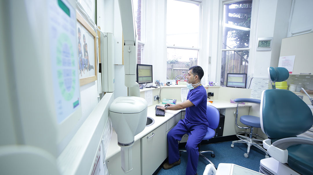 Image of a dentist at work
